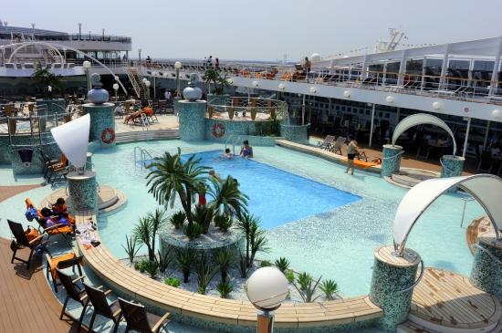 cruise svømmebasseng